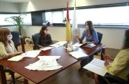 La secretaria general de la Igualdad por delegación, Natalia Prieto, se reúne con la vicerrectora de Igualdad, Cultura y Servicios de la USC, Mar Lorenzo, y con la representante de Woman Emprende USC, Eva López