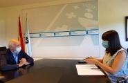 A nova conselleira de Emprego e Igualdade inicia os contactos cos axentes sociais galegos