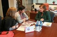 La secretaria general de la Igualdad, Susana López Abella, se reunió hoy con representantes de esta asociación