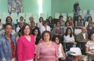 A secretaria xeral de Igualdade, Susana López Abella, e a delegada territorial, Marisol Díaz Mouteira, mantiveron unha xuntanza cos representantes municipais e persoal técnico para explicarlles esta liña de subvencións