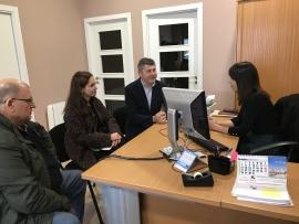 Ovidio Rodeiro visitou a dous emprendedoras que recibiron unha achega para a posta en marcha do seu proxecto empresarial