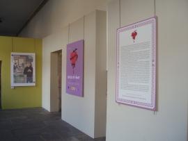 Igualdade inaugurou a mostra 'Cartas de amor' para sensibilizar contra a violencia de xénero a través do cómic