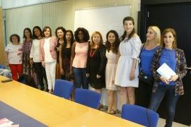 López Abella hizo entrega de diplomas a las mujeres líderes del programa europeo Draw the line