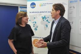 A secretaria xeral da Igualdade, Susana López Abella, visitou esta mañá na Coruña a sede da fundación