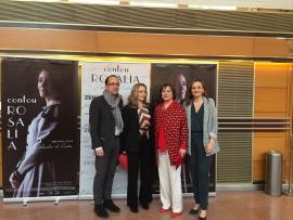 La secretaria general de la Igualdad, Susana López Abella, asistió en Santiago de Compostela a la presentación de la película Contou Rosalía