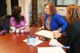 A secretaria xeral da Igualdade, Susana López Abella, reuniuse hoxe coa presidenta do Colexio Oficial de Psicoloxía de Galicia, Rosa Álvarez
