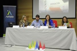 """A secretaria xeral da Igualdade, Susana López Abella, participou esta mañá na inauguración da XVI Xornada de sensibilización sobre a interculturalidade"""" que tivo lugar no Centro Sociocultural de Meicende"""