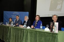 A titular de Igualdade, asistiu á presentación do libro 'Isabel Zendal nos Arquivos de Galicia', onde indicou que a historia de Isabel Zendal é un exemplo como muller e como traballadora