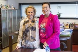 La secretaria General de la Igualdad, Susana López Abella, mantuvo una reunión con la presidenta autonómica de Cruz Roja, Carmen Colmeiro
