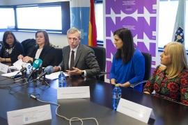 O vicepresidente da Xunta, Alfonso Rueda, e representantes de Asociacións e Colexios Profesionais asinaron esta mañá o convenio que dá un paso moi importante na protección dos e das menores
