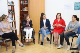 La Xunta colabora con Acadar en un programa de atención especializado para mujeres con discapacidad del rural