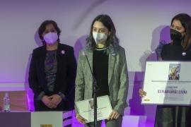 Os carteis gañadores do concurso escolar do 8-M protagonizan a campaña da Xunta que leva por lema 'Abraza a igualdade'