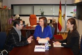 Susana López Abella na reunión co alcalde de Cuntis