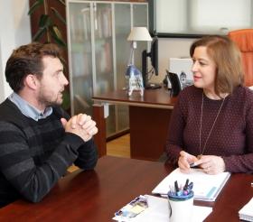 A secretaria xeral da Igualdade reúnese co actor e director Rubén Riós Escoitar A secretaria xeral da Igualdade, Susana López Abella, reuniuse esta mañá en Santiago de Compostela co actor, produtor e director Rubén Riós